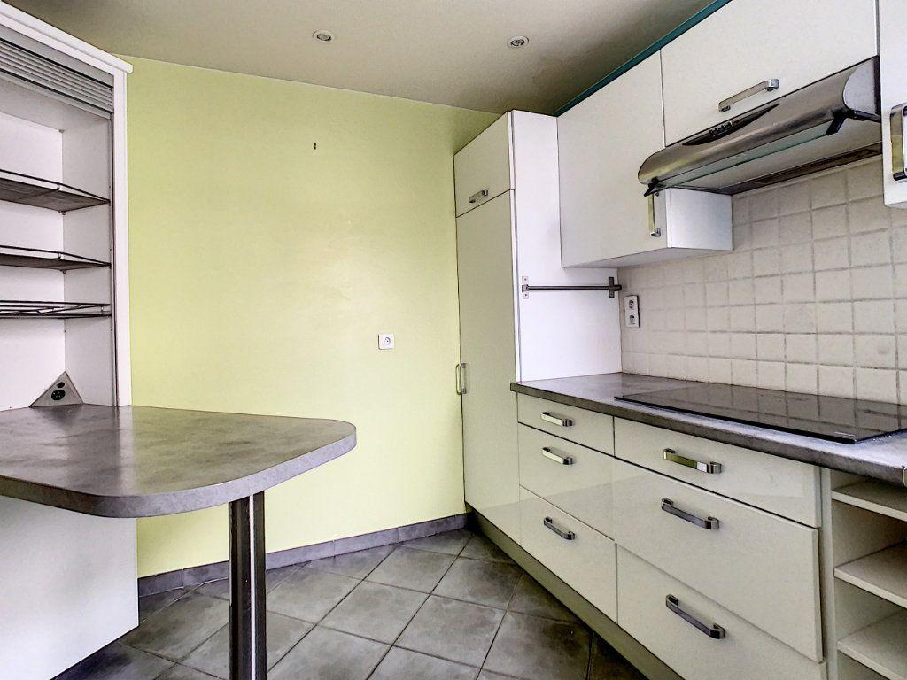Appartement à louer 4 78m2 à Suresnes vignette-4