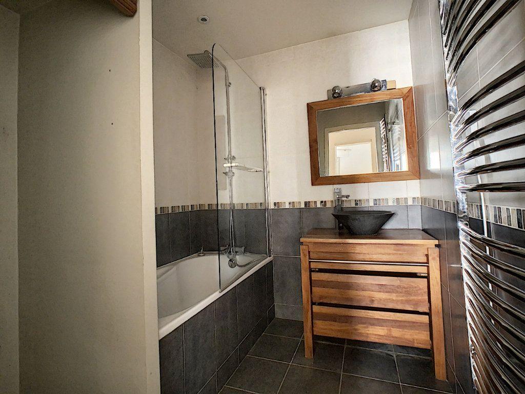 Appartement à louer 4 78m2 à Suresnes vignette-5