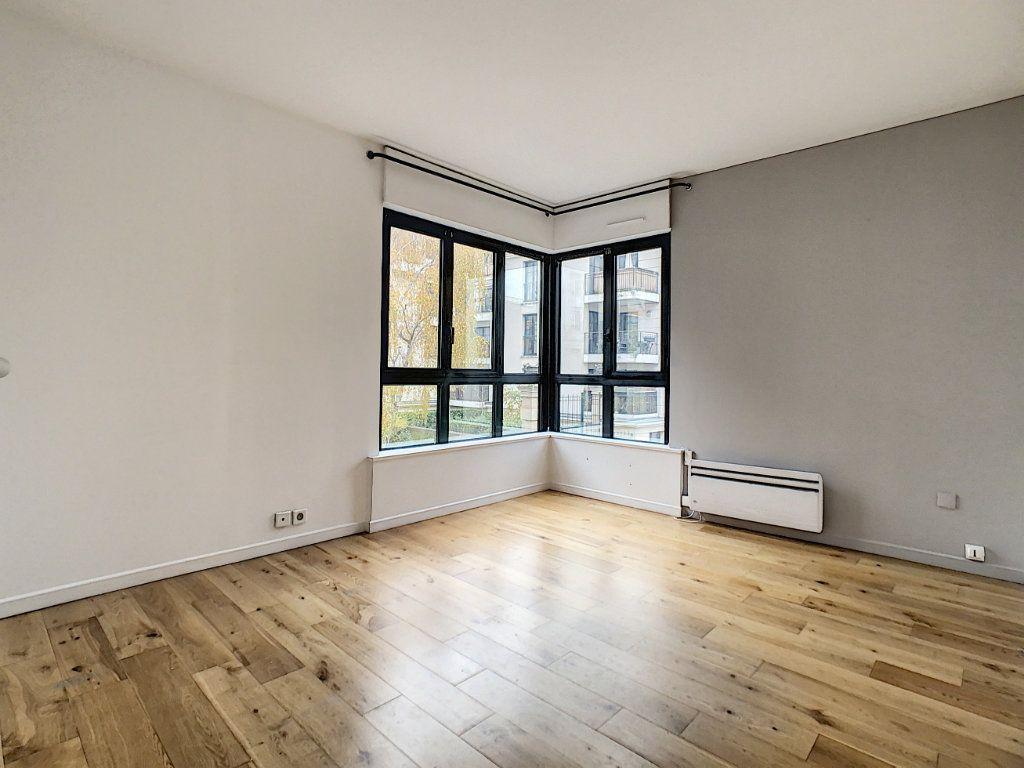 Appartement à louer 4 78m2 à Suresnes vignette-8
