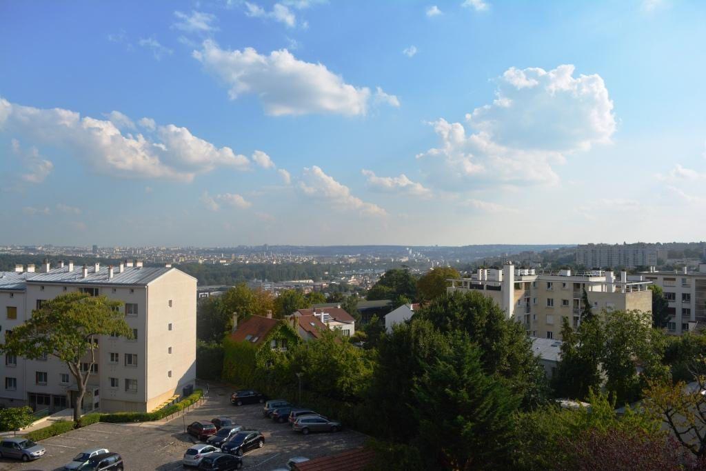 Appartement à louer 3 60.08m2 à Suresnes vignette-1