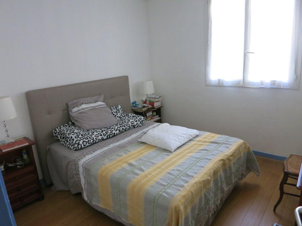 Appartement à louer 3 52m2 à Nanterre vignette-2
