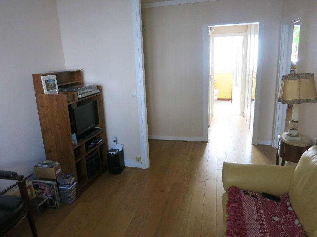 Appartement à louer 3 52m2 à Nanterre vignette-4