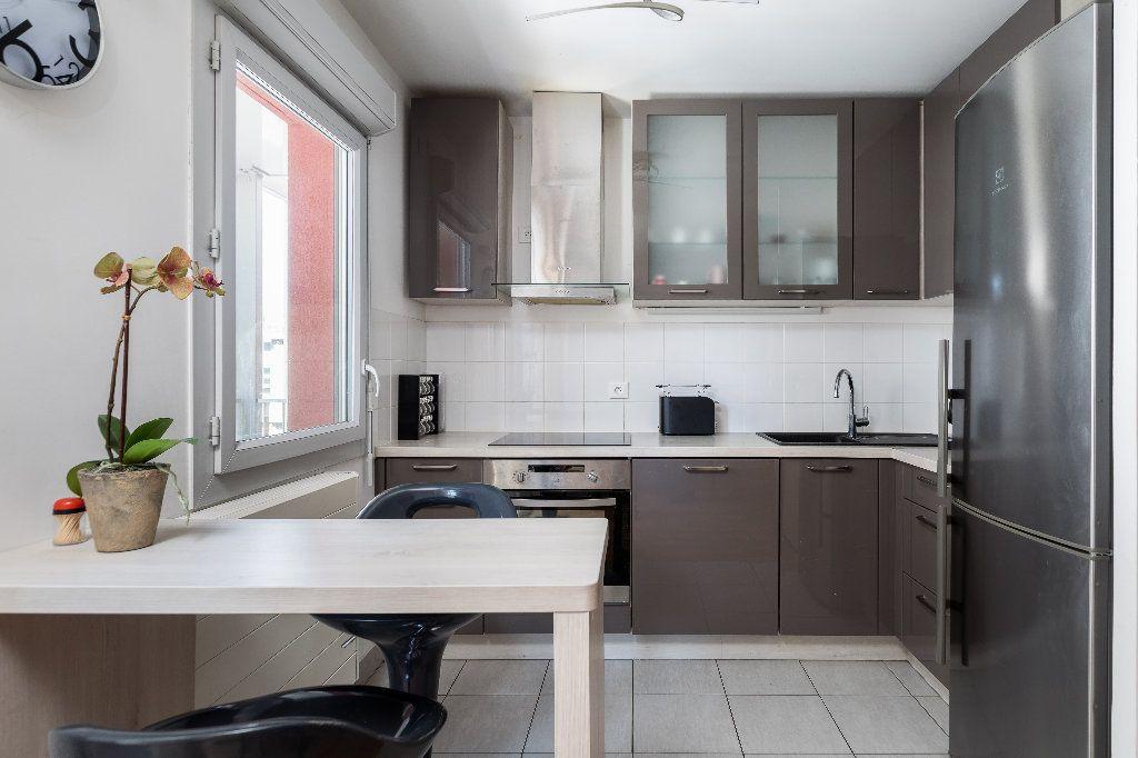 Appartement à vendre 3 61.04m2 à Nanterre vignette-3