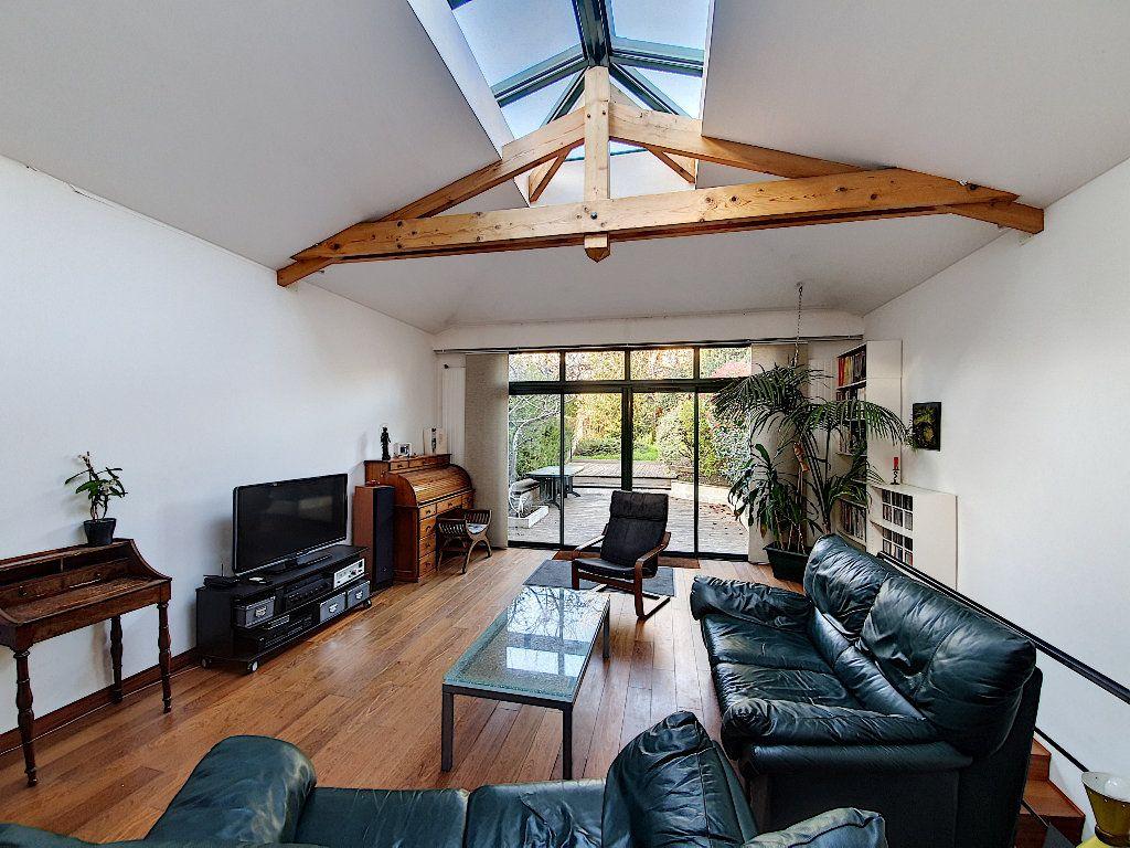 Maison à vendre 7 165m2 à Suresnes vignette-1