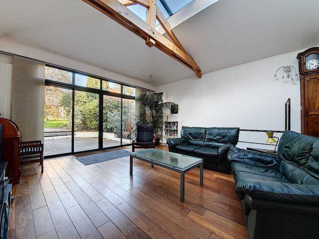 Maison à vendre 7 165m2 à Suresnes vignette-2
