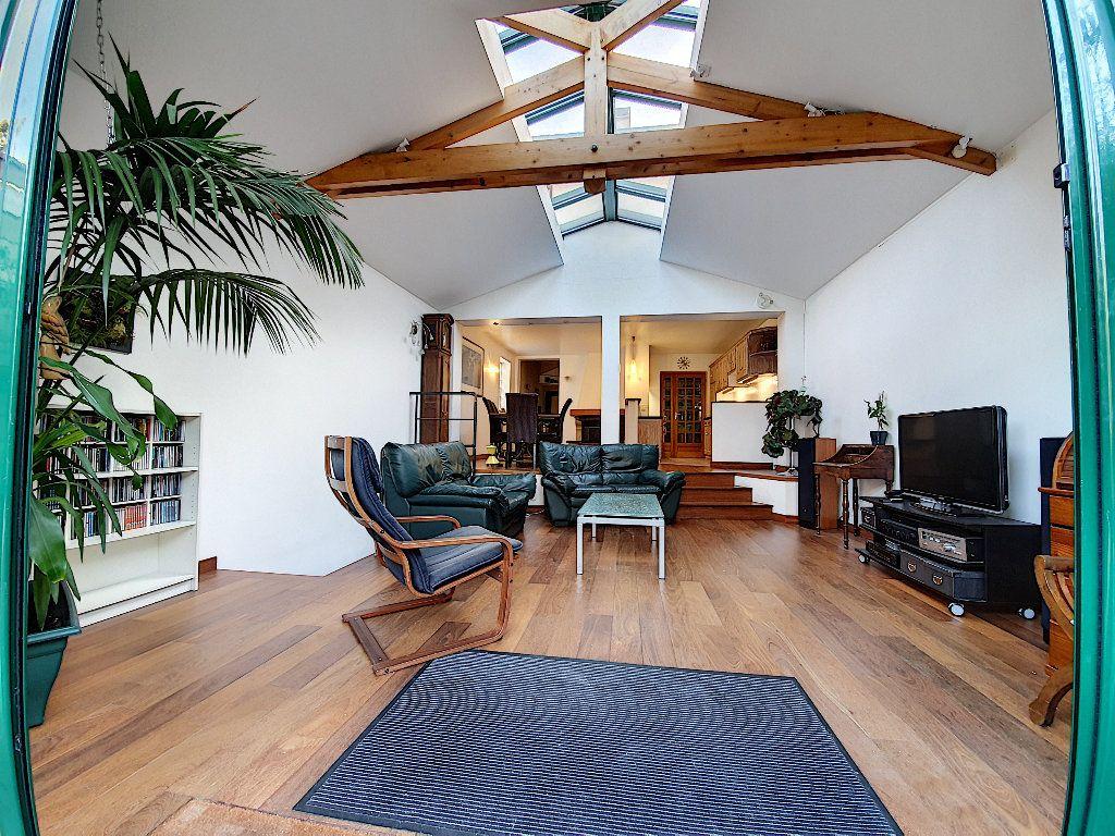 Maison à vendre 7 165m2 à Suresnes vignette-3