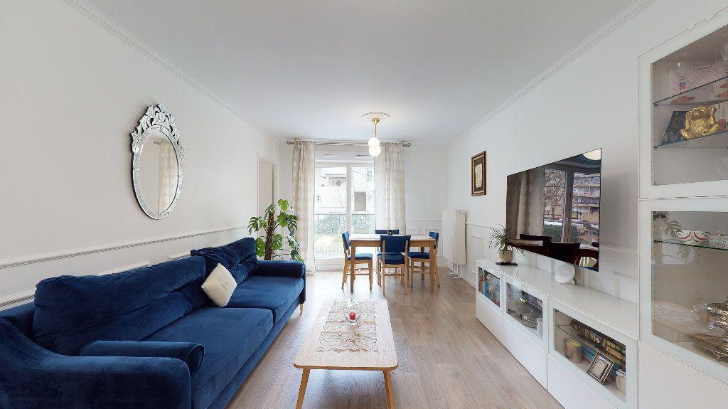 Appartement à vendre 5 94.87m2 à Nanterre vignette-2