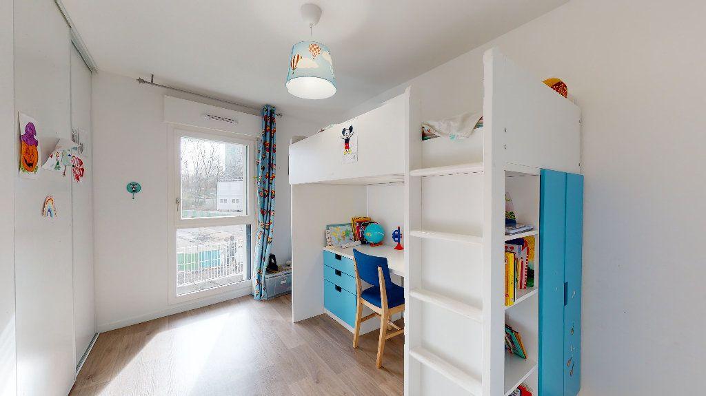Appartement à vendre 5 94.87m2 à Nanterre vignette-9