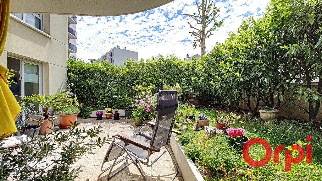 Appartement à vendre 5 106.47m2 à Suresnes vignette-1