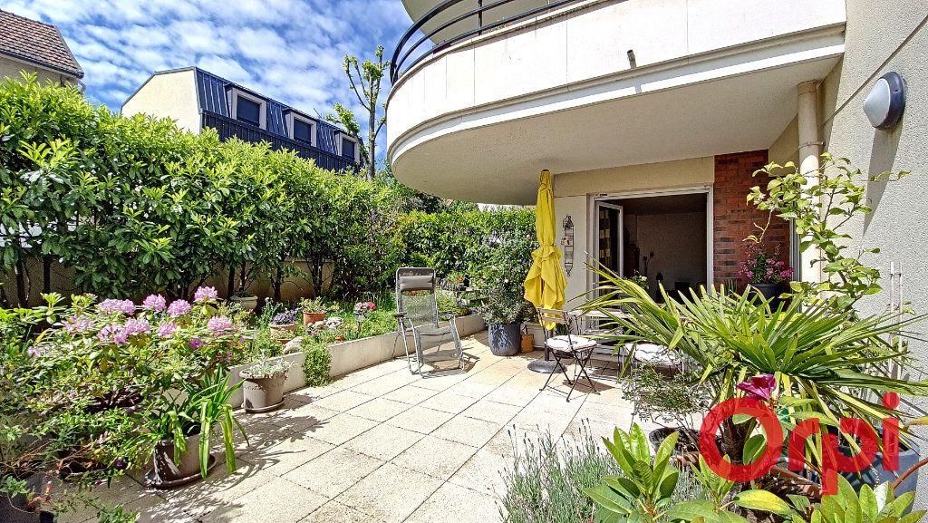 Appartement à vendre 5 106.47m2 à Suresnes vignette-2
