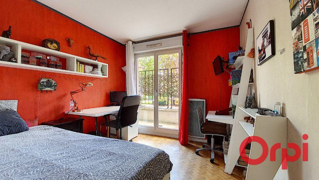 Appartement à vendre 5 106.47m2 à Suresnes vignette-6