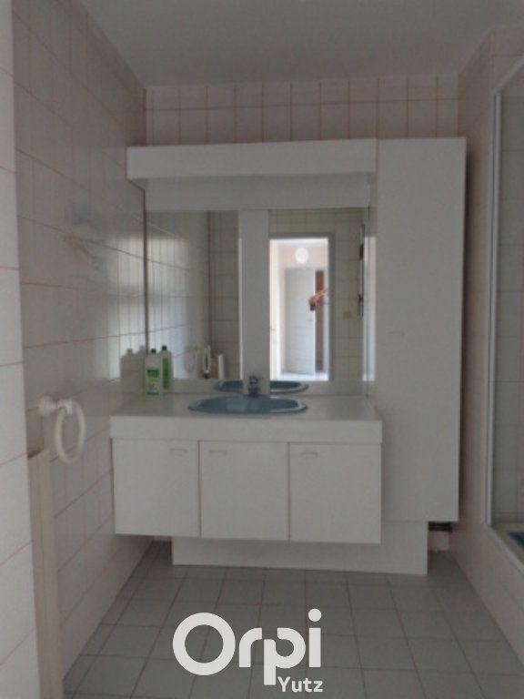 Appartement à louer 3 75m2 à Thionville vignette-5
