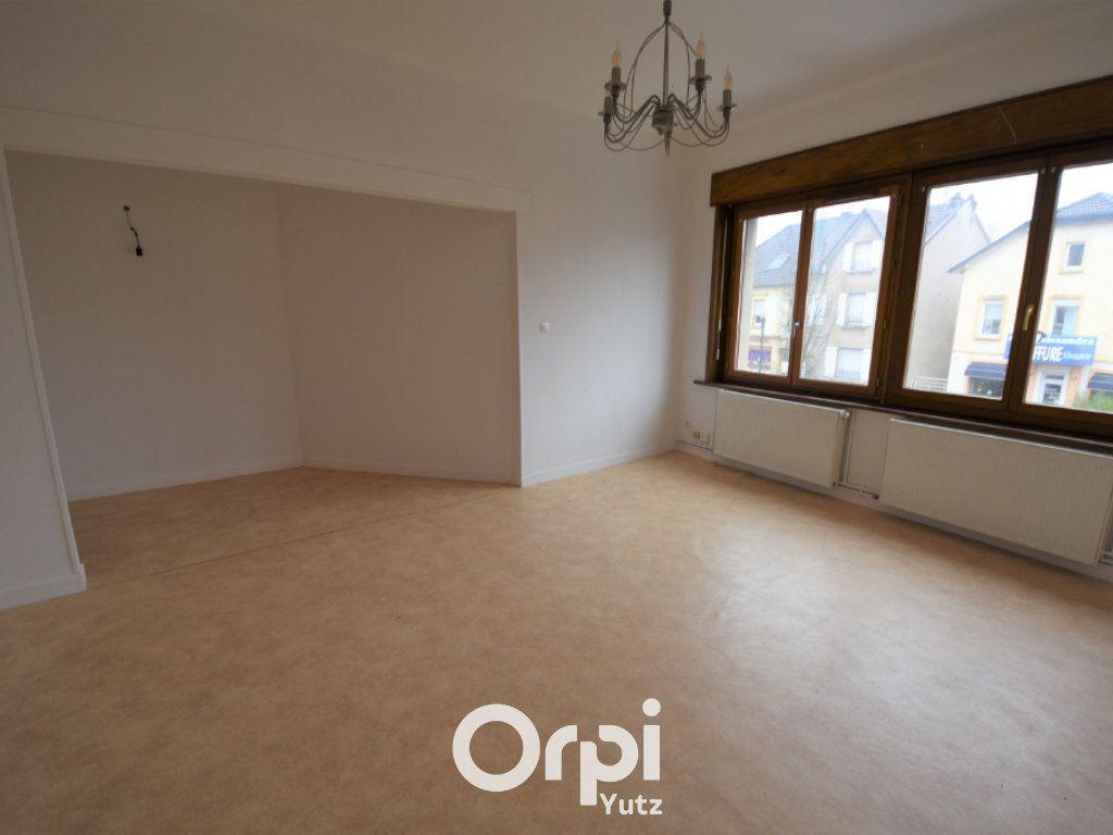 Appartement à louer 3 78.9m2 à Yutz vignette-1