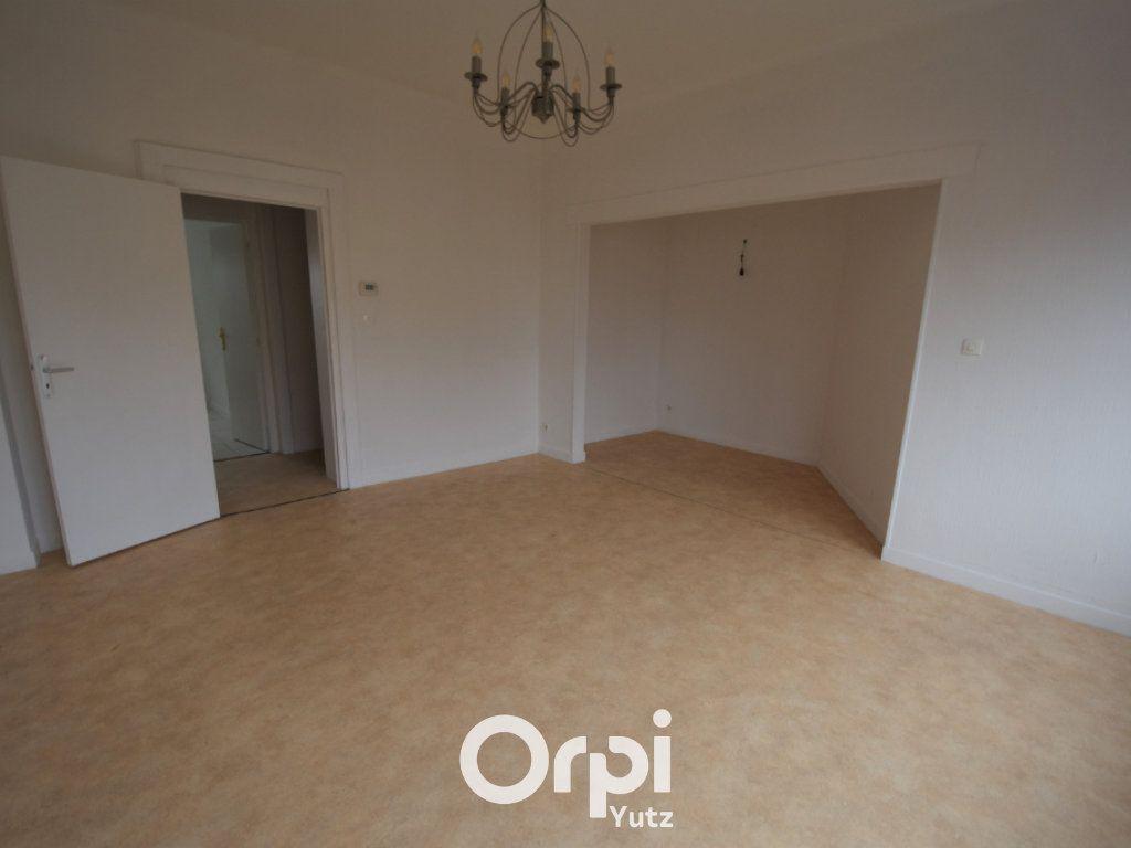 Appartement à louer 3 78.9m2 à Yutz vignette-2
