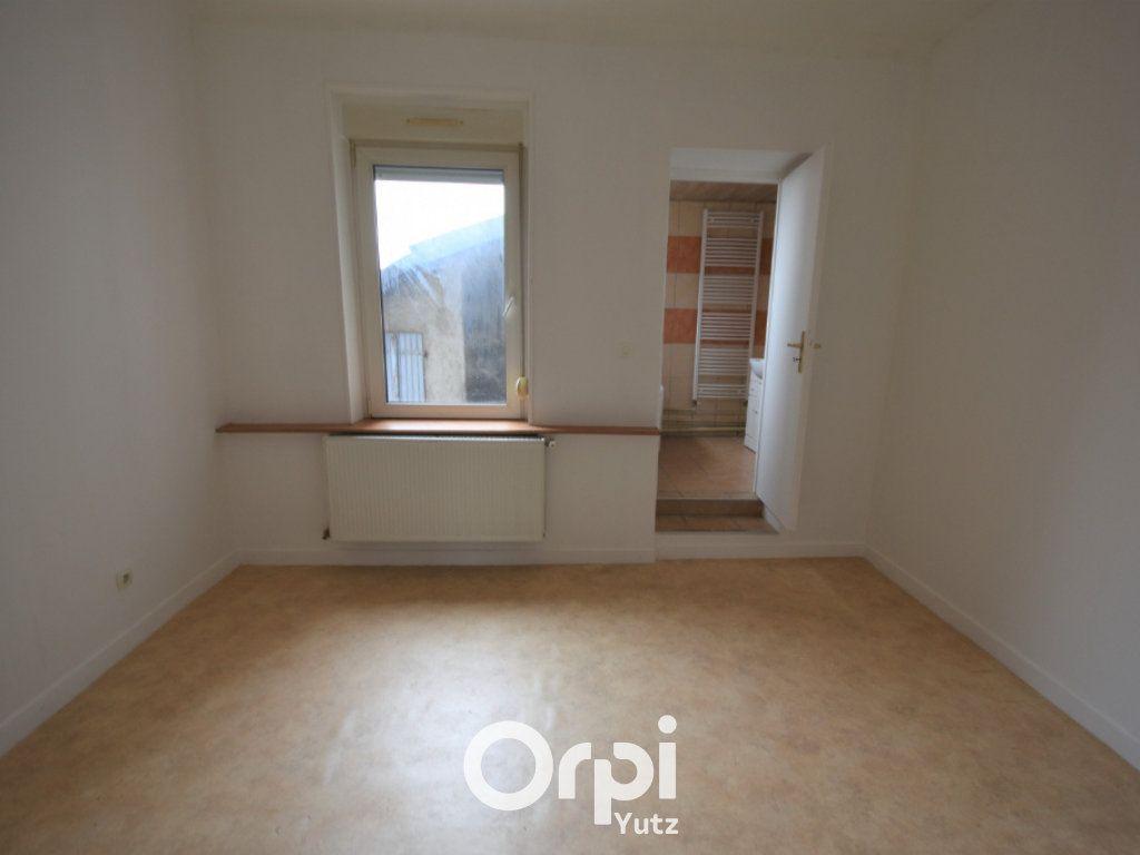 Appartement à louer 3 78.9m2 à Yutz vignette-5