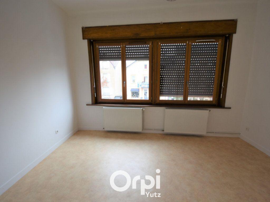 Appartement à louer 3 78.9m2 à Yutz vignette-6