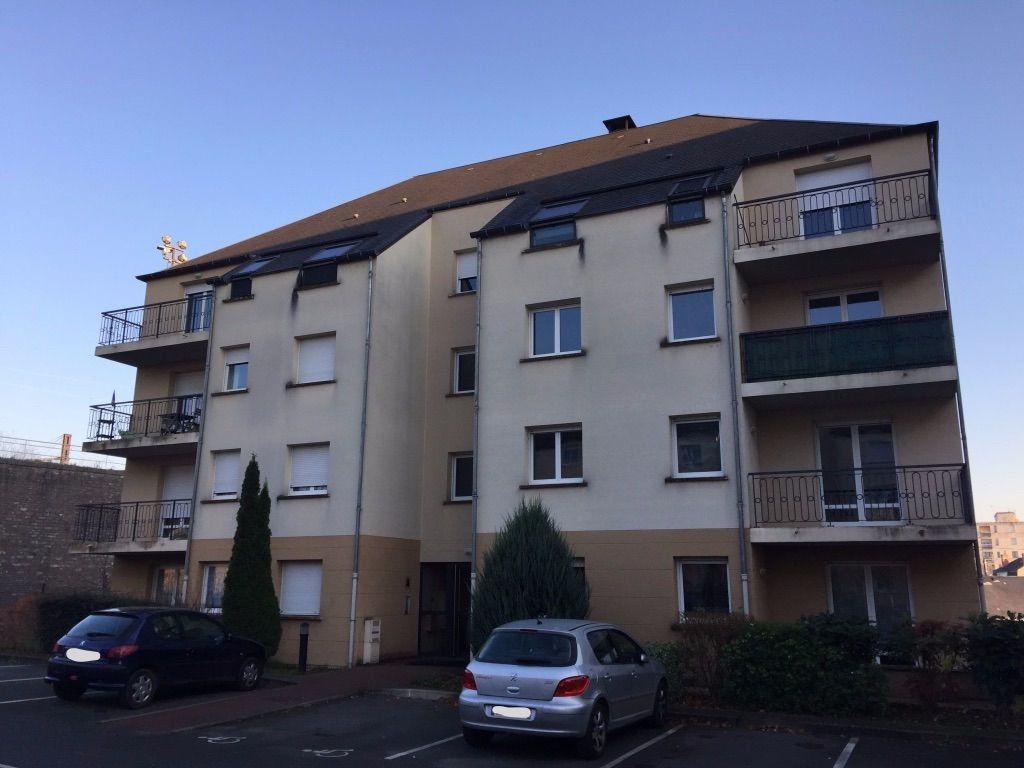 Appartement à louer 3 60.43m2 à Vierzon vignette-1