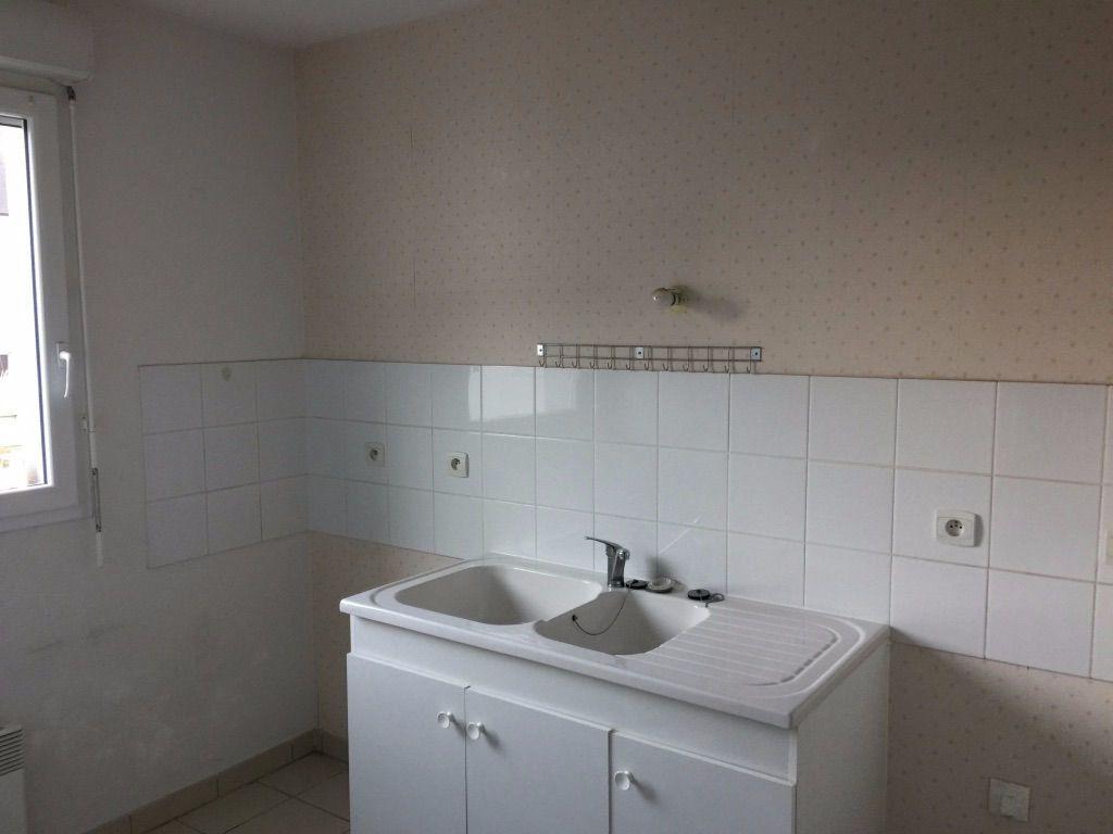 Appartement à louer 3 60.43m2 à Vierzon vignette-4