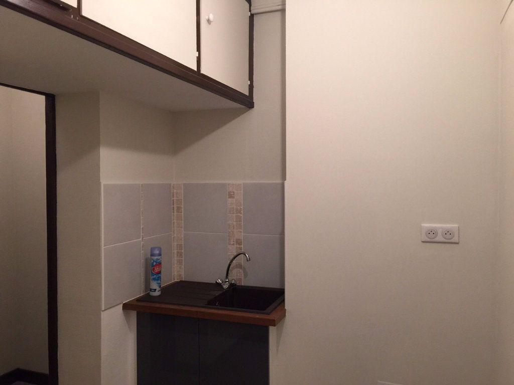 Maison à louer 4 96m2 à Salbris vignette-4