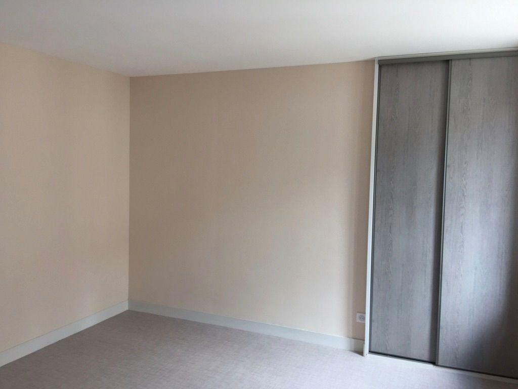 Appartement à louer 2 36m2 à Salbris vignette-3