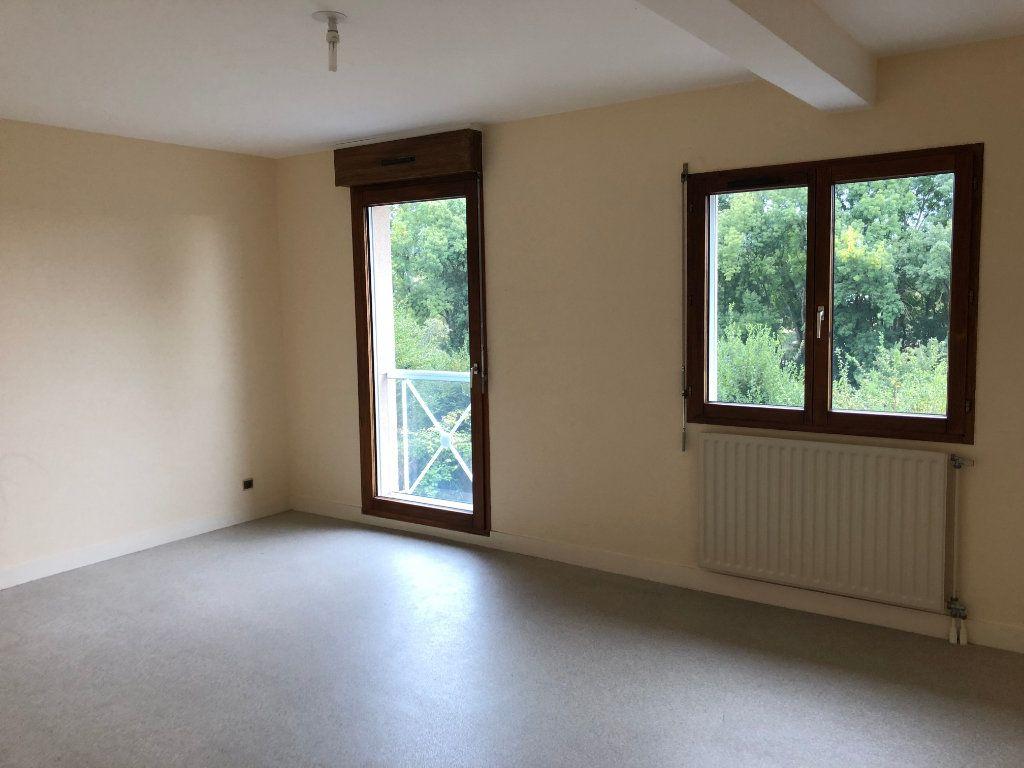 Appartement à louer 3 76m2 à Salbris vignette-1