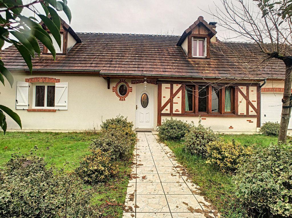 Maison à vendre 8 181m2 à Salbris vignette-1