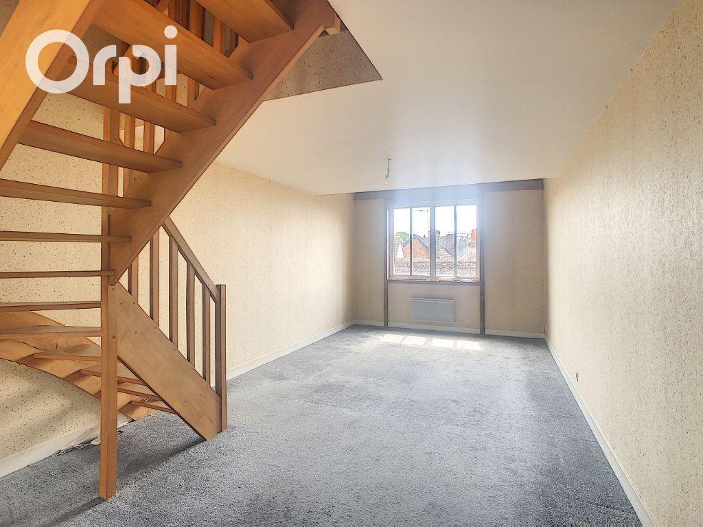 Appartement à vendre 2 54.89m2 à Salbris vignette-1