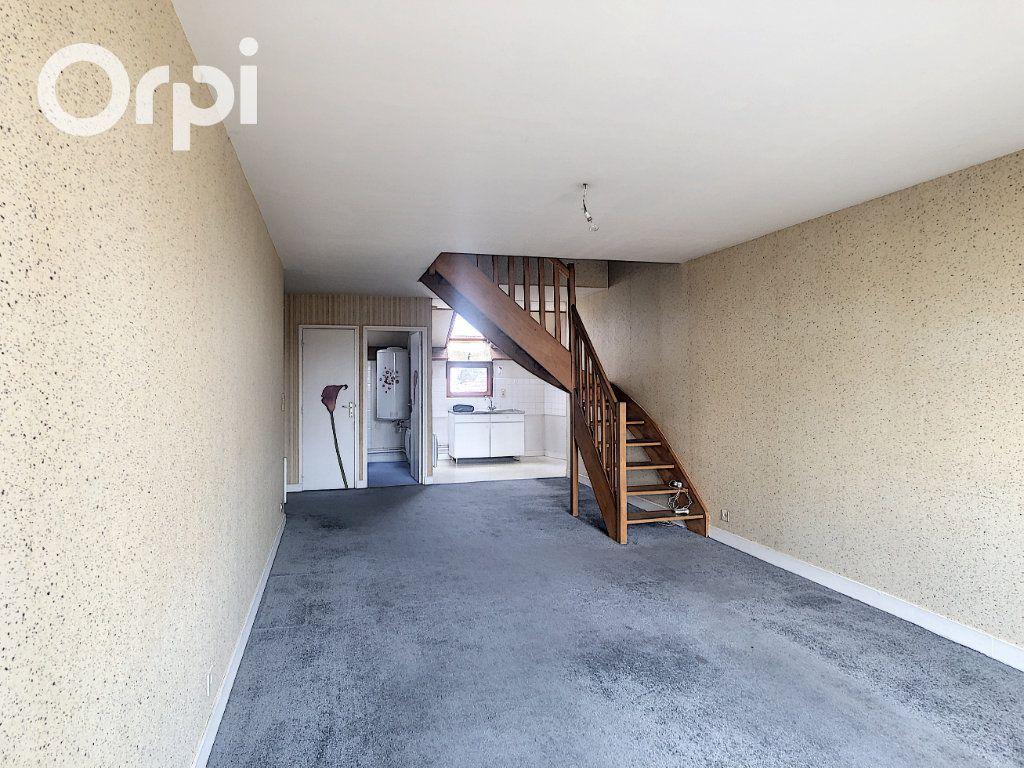 Appartement à vendre 2 54.89m2 à Salbris vignette-4