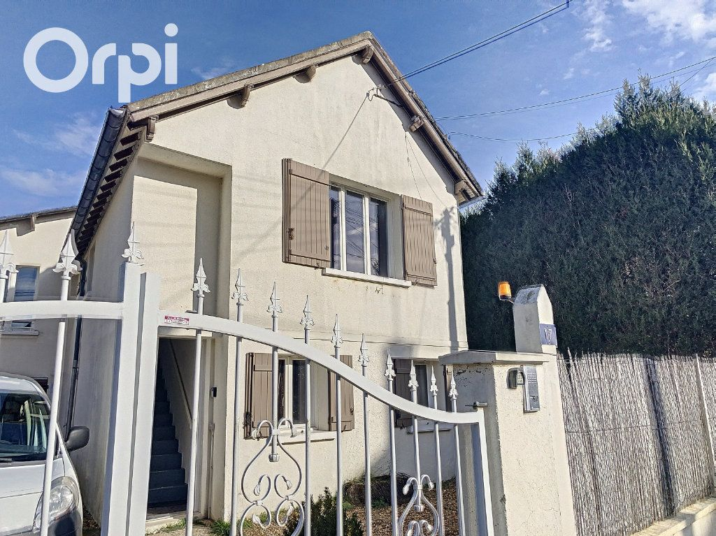 Maison à louer 4 109m2 à La Ferté-Imbault vignette-8