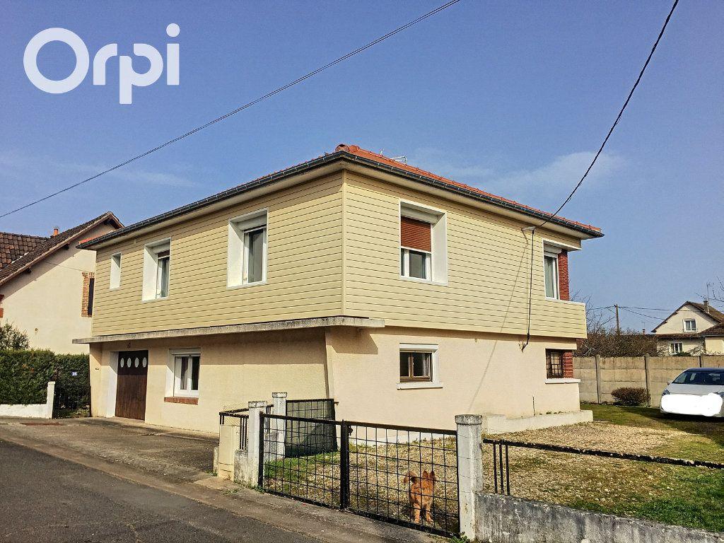 Maison à vendre 5 122m2 à Salbris vignette-1