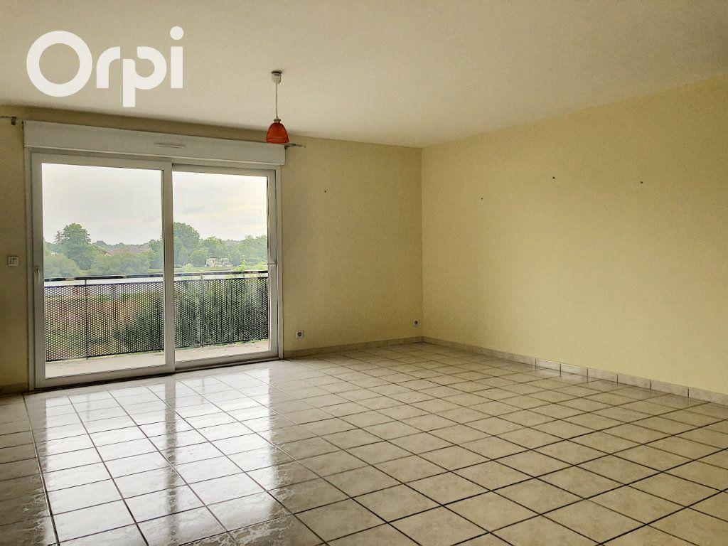 Appartement à louer 4 75m2 à Salbris vignette-1