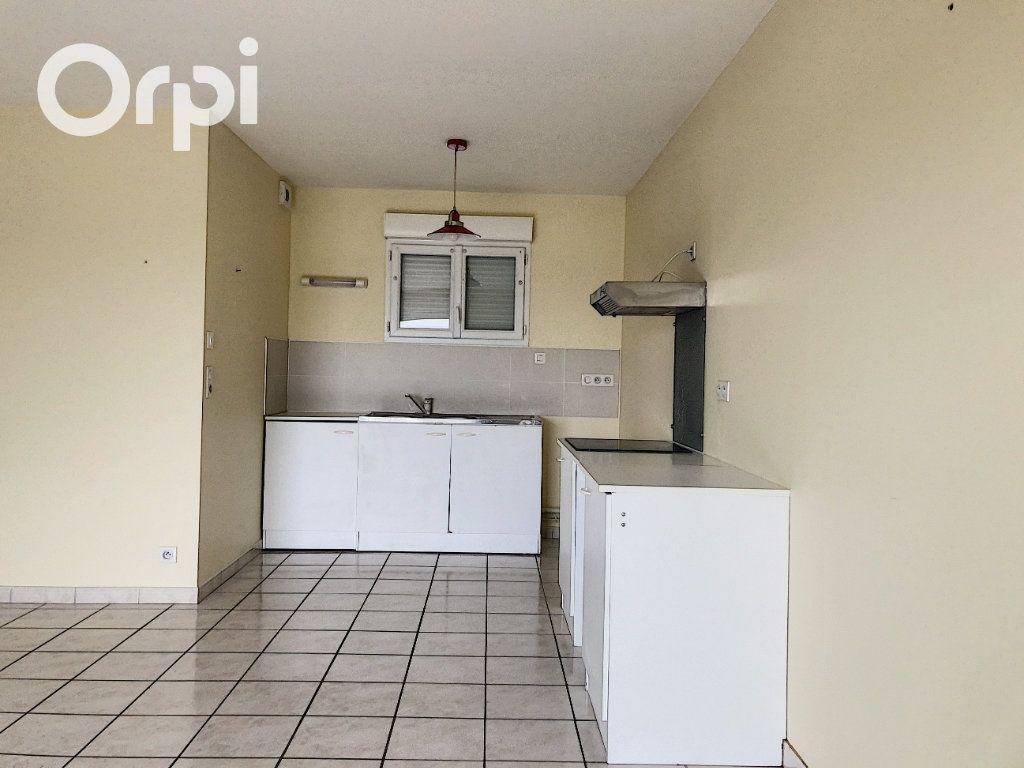 Appartement à louer 4 75m2 à Salbris vignette-2
