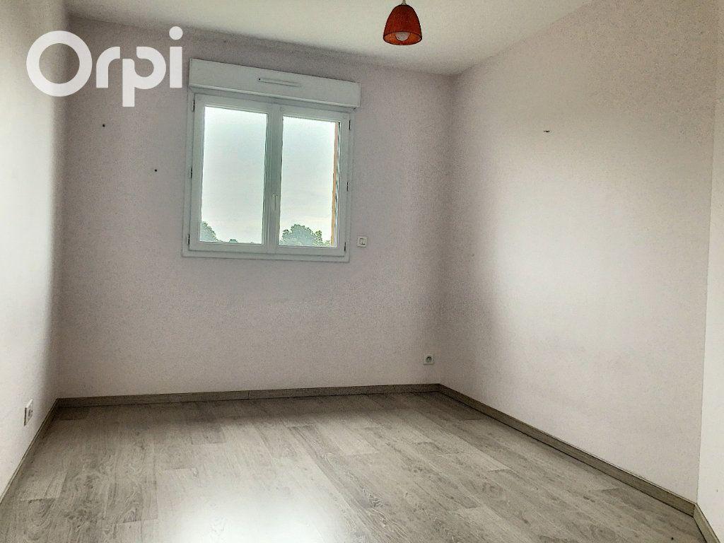 Appartement à louer 4 75m2 à Salbris vignette-3