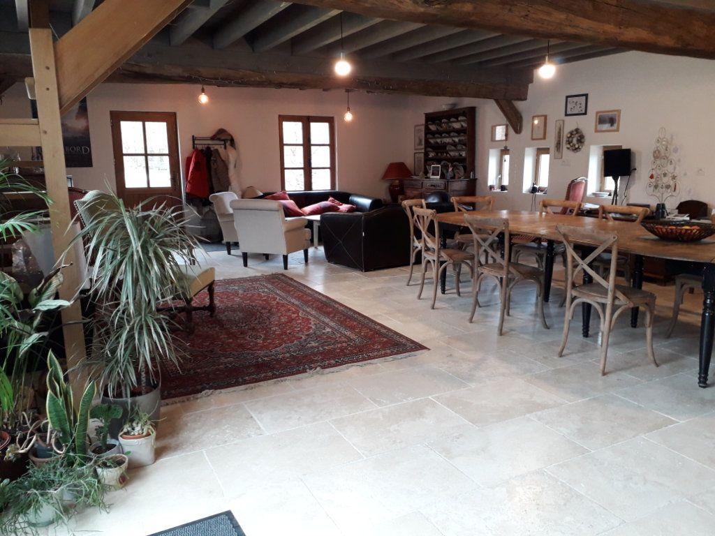 Maison à vendre 9 360m2 à Tour-en-Sologne vignette-3
