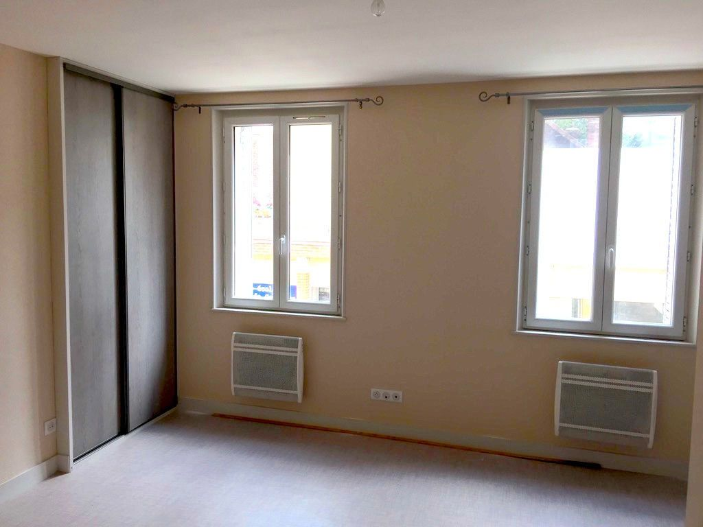 Appartement à louer 2 36m2 à Salbris vignette-1