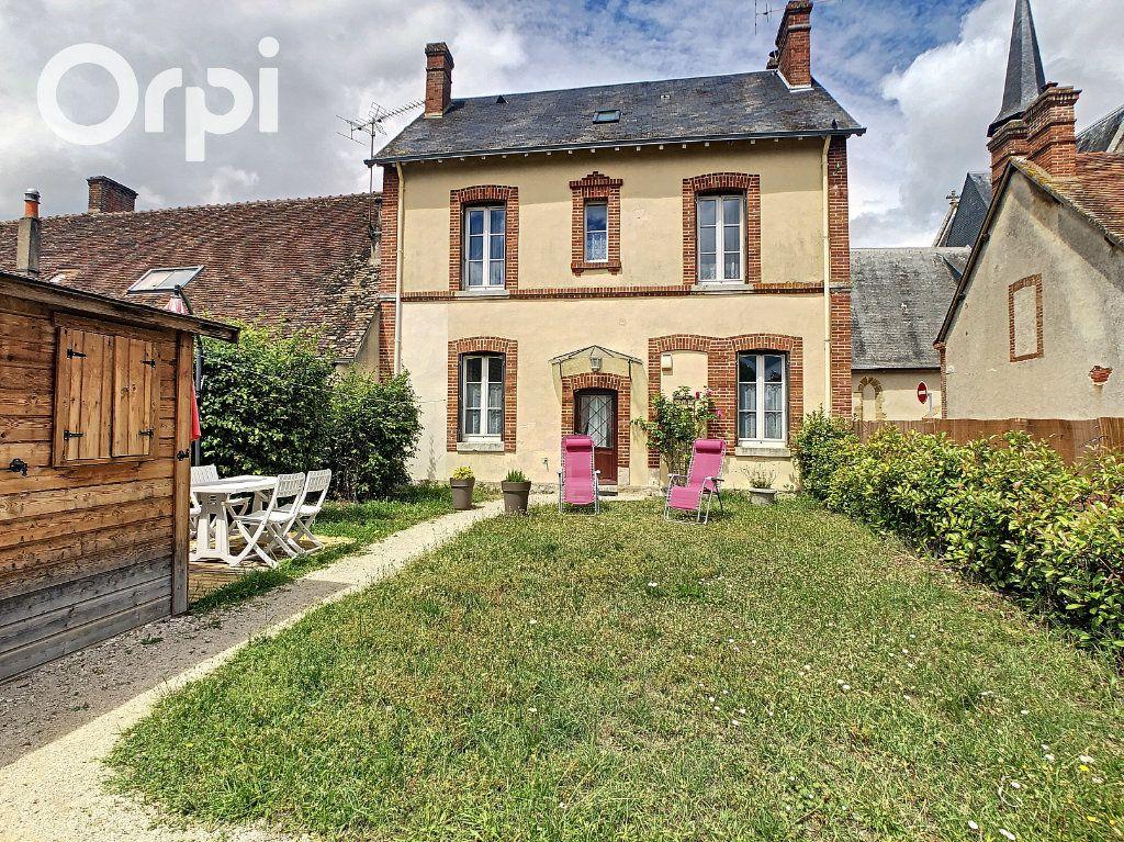 Maison à louer 5 108m2 à Selles-Saint-Denis vignette-1