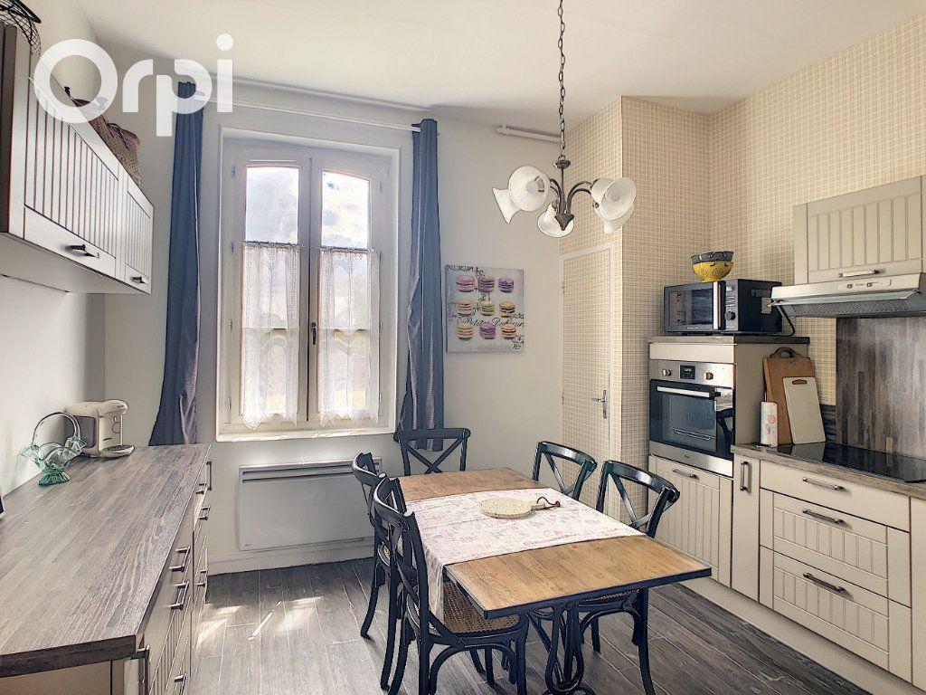 Maison à louer 5 108m2 à Selles-Saint-Denis vignette-2