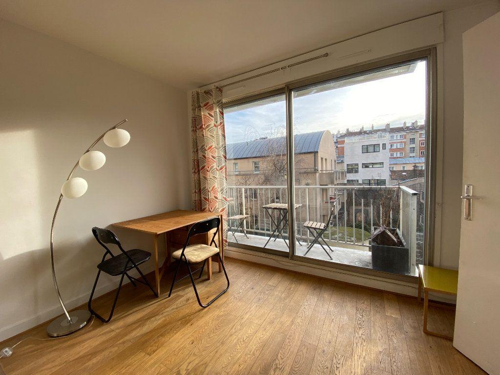 Appartement à louer 1 25m2 à Paris 12 vignette-2