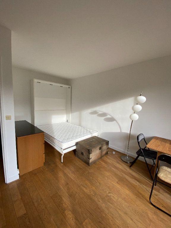 Appartement à louer 1 25m2 à Paris 12 vignette-3