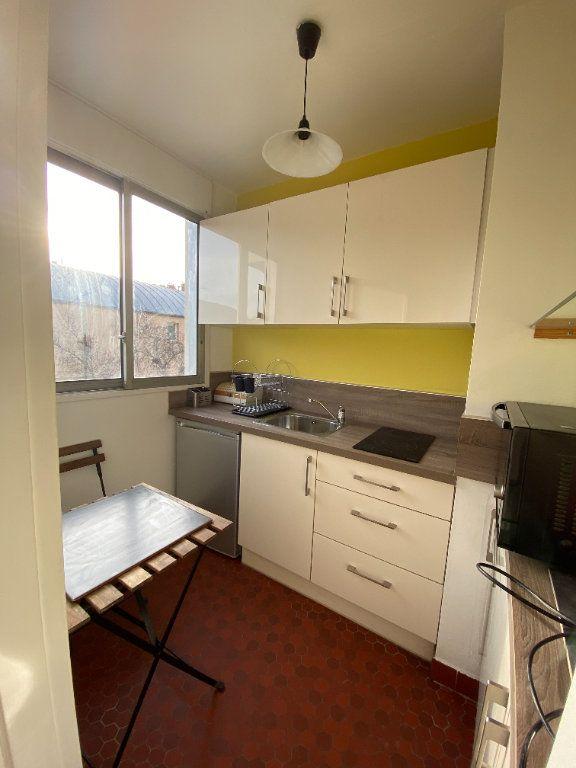 Appartement à louer 1 25m2 à Paris 12 vignette-5