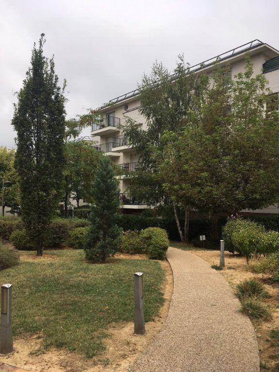 Appartement à louer 1 12m2 à Aubervilliers vignette-2