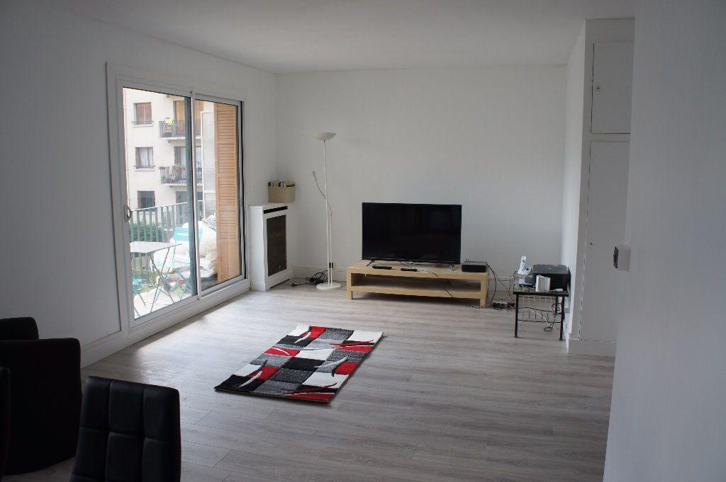 Appartement à louer 3 62m2 à Paris 12 vignette-1