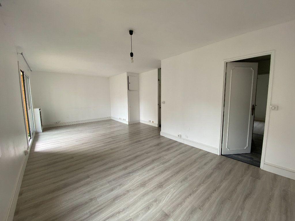 Appartement à louer 2 62m2 à Paris 12 vignette-3