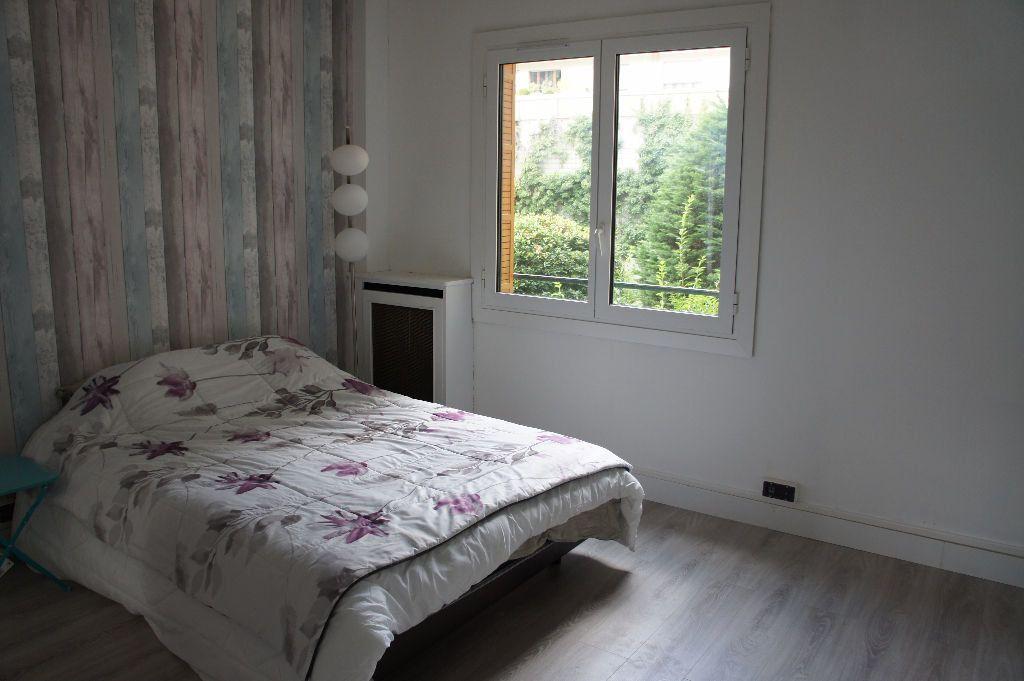 Appartement à louer 3 62m2 à Paris 12 vignette-4