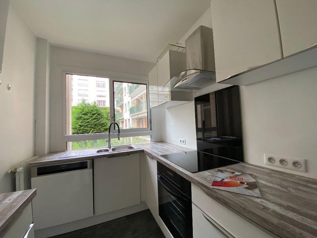 Appartement à louer 2 62m2 à Paris 12 vignette-8