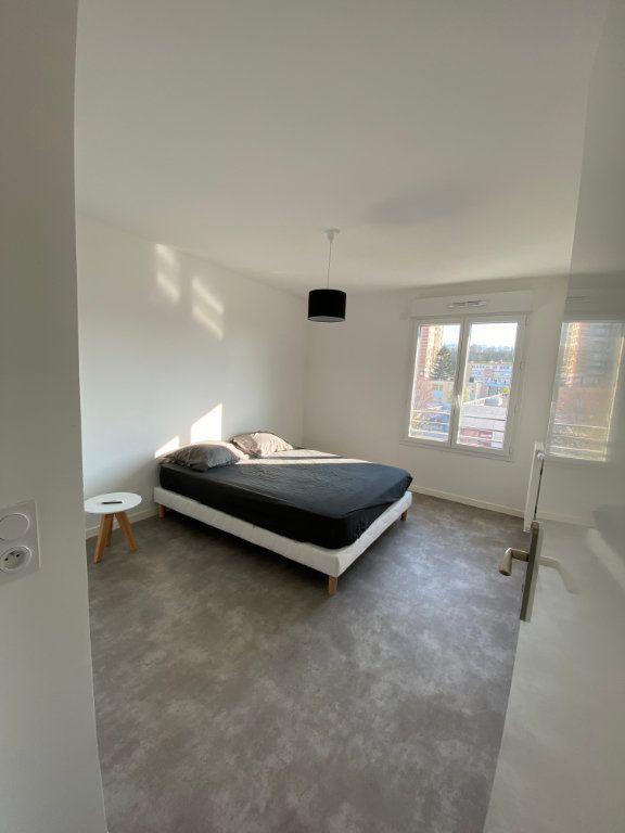 Appartement à louer 3 63m2 à Romainville vignette-3