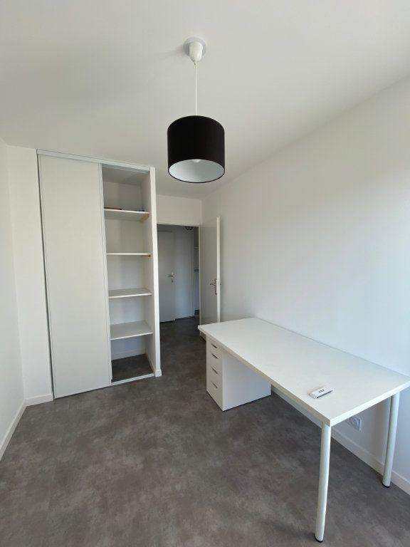 Appartement à louer 3 63m2 à Romainville vignette-5