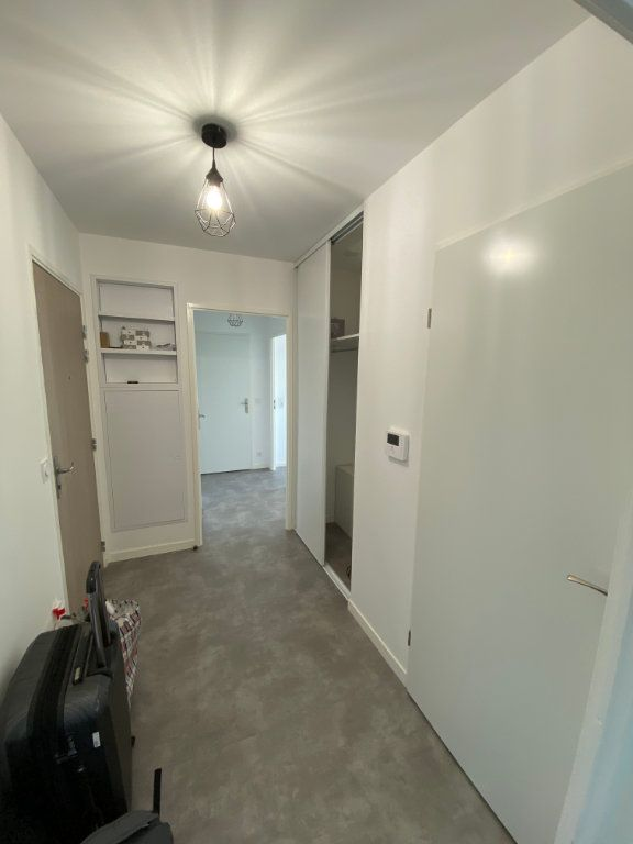 Appartement à louer 3 63m2 à Romainville vignette-6
