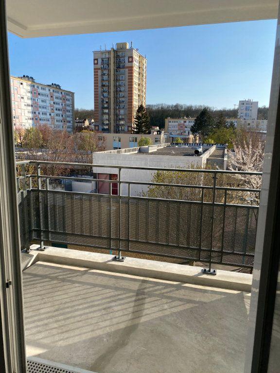 Appartement à louer 3 63m2 à Romainville vignette-9