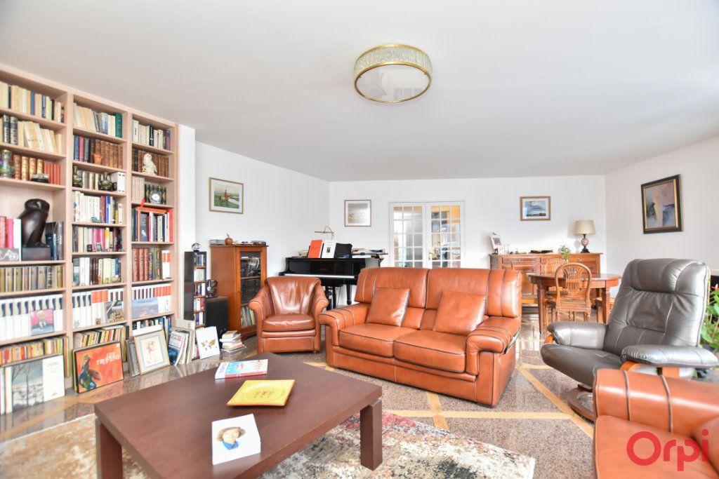 Appartement à vendre 5 127.72m2 à Paris 12 vignette-2